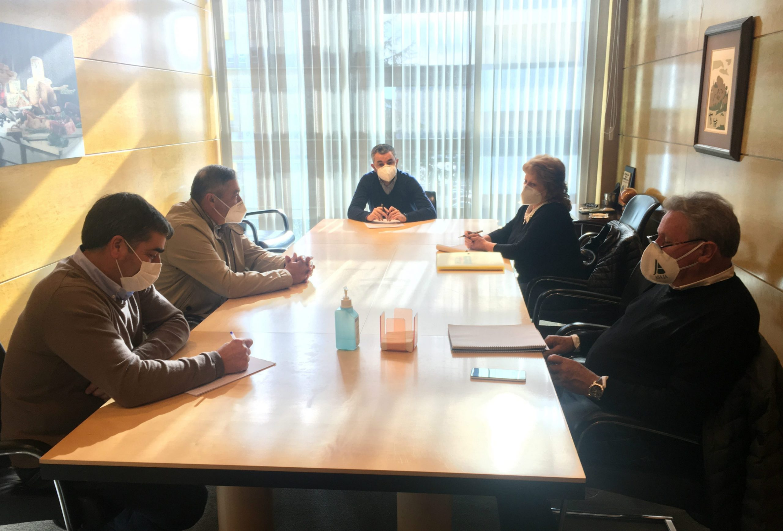 Reunión del Consejero de Medio Rural con los Sindicatos Agrarios