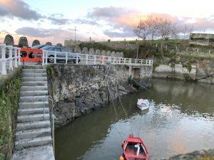 Obras de refuerzo en la zona de Las Almenas de Puerto de Vega