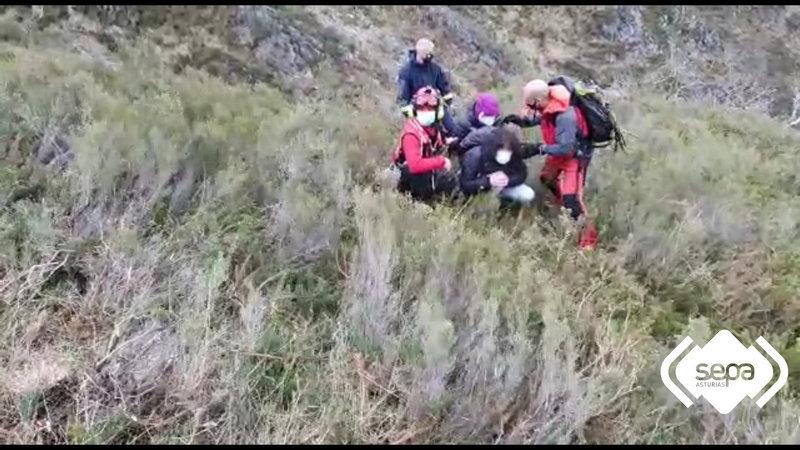 Rescatados cuatro senderistas que se habían desorientado en Piloña
