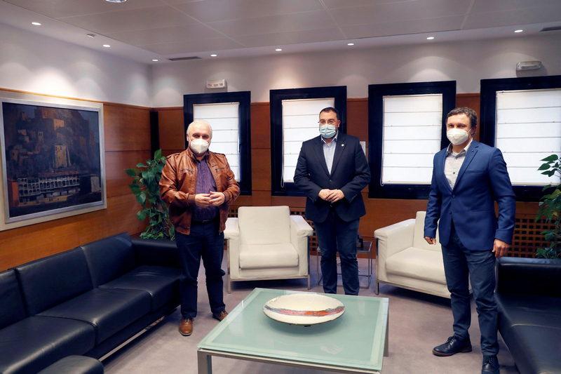 El alcalde de San Tirso hace balance positivo de la entrevista mantenida con el presidente del Principado