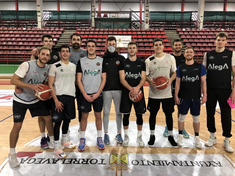 El Grupo Alega Cantabria Basket vuelve a los entrenamientos tras el confinamiento por Covid