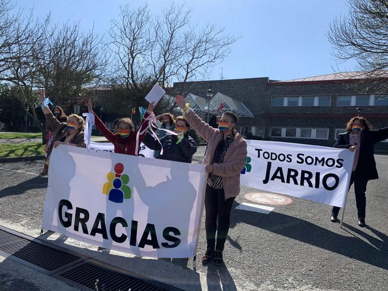 """Respuesta multitudinaria a la concentración de vehículos convocada por """"Todos Somos Jarrio"""""""