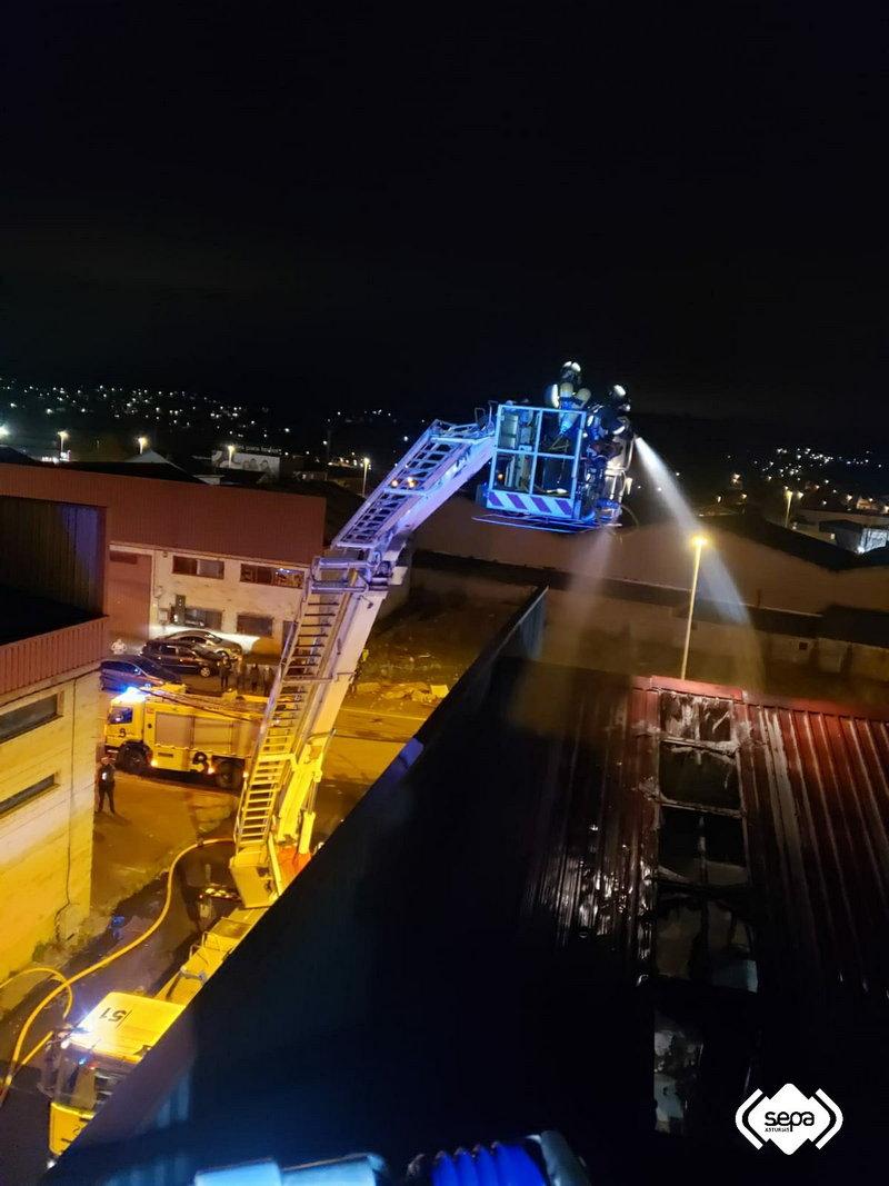 Incendio Industrial en Siero