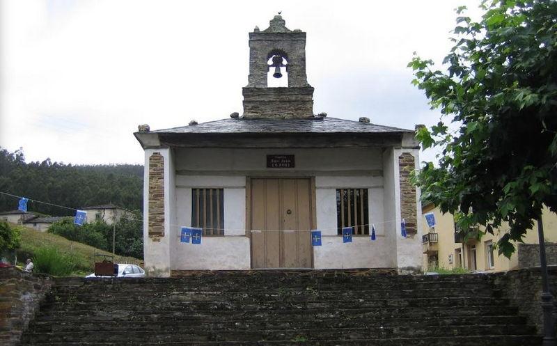 Terminan las obras de adecuación del entorno de la plaza y la capilla de San Juan en San Tirso de Abres