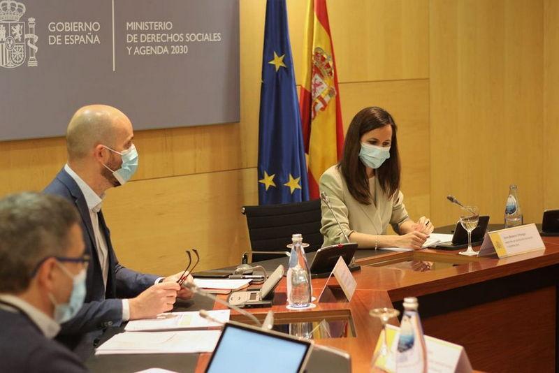 Asturias recibirá más de 17 millones de euros para transformar el sistema de cuidados.