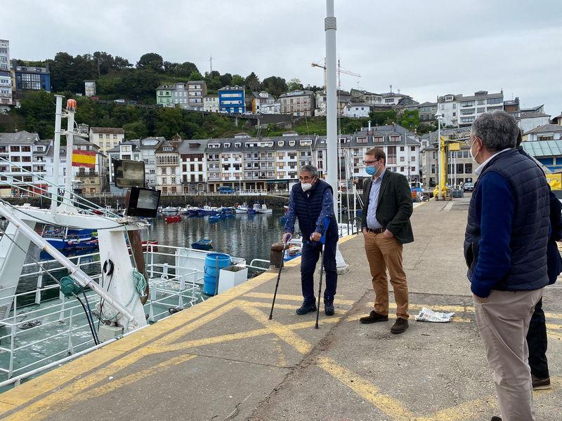 """Foro Asturias exige en Luarca una """"apuesta decidida y planificación de los dragados"""" en los puertos asturianos"""