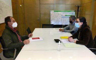 Reunión de la Viceconsejera de Medio Ambiente con el Alcalde de Grandas de Salime
