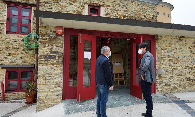 Taramundi apuesta por encontrar nuevas salidas para el Centro de Artesanía de Bres
