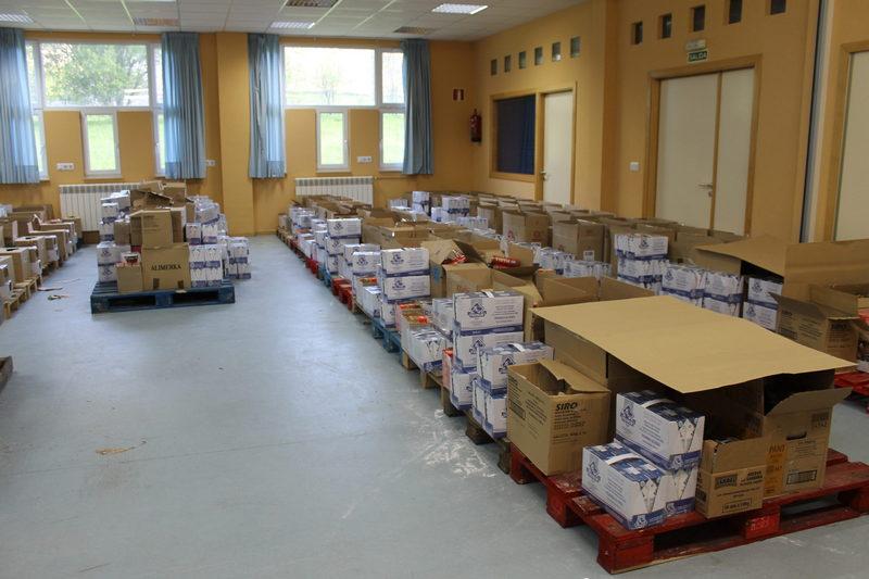 Servicios Sociales de Cangas del Narcea reparte 5.832 kilos de alimentos no perecederos a 106 familias del concejo
