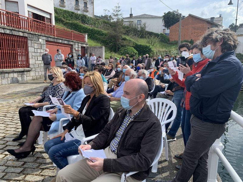El ayuntamiento de El Franco instalará nuevos paneles informativos en el puerto de Viavélez