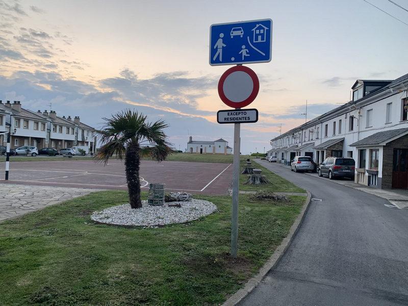 Se prohíbe la circulación de vehículos alrededor del Campo de la Atalaya (Puerto de Vega) excepto a residentes