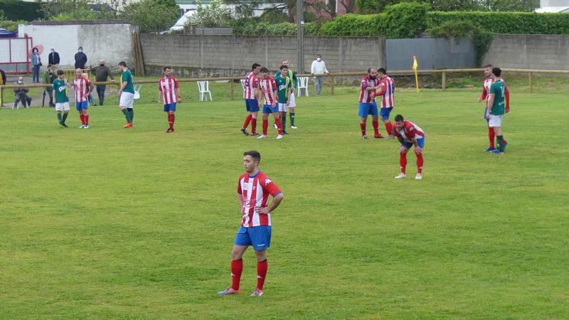 El Navia se impuso a La Caridad con dos goles del debutante Bruno (2-1)