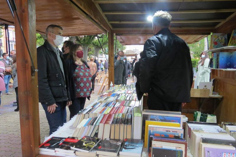 Comienza la VII Feria del Libro de Ribadeo