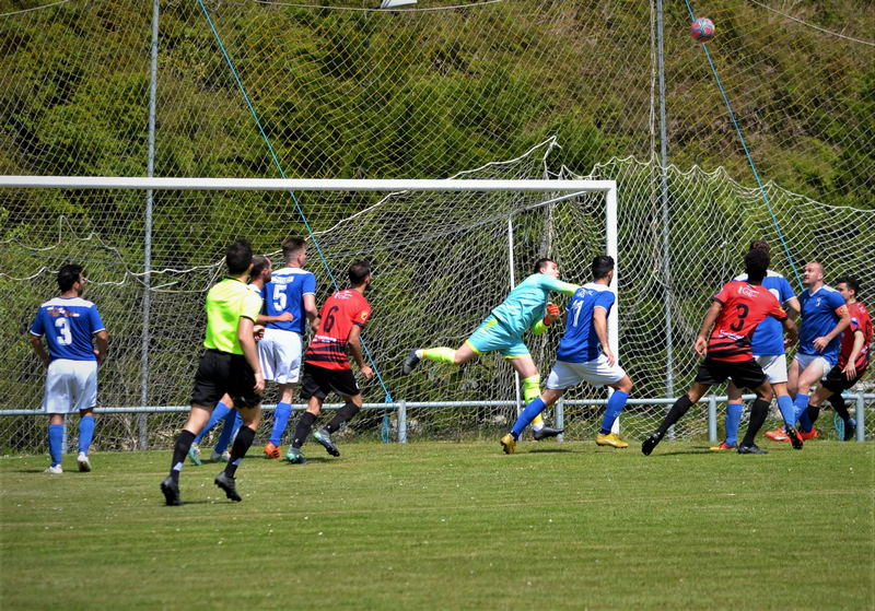 Triunfo del Real Tapia frente al Luarca (2-1)