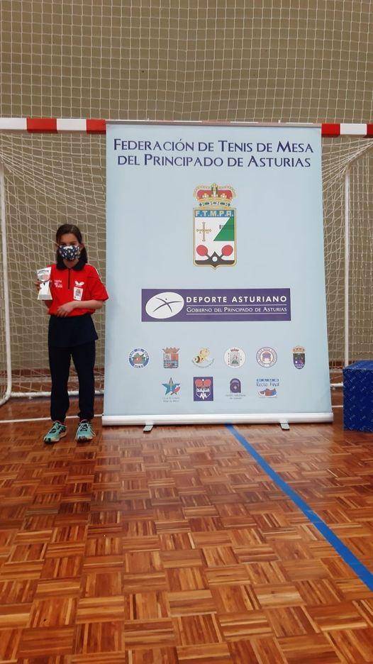 La Luarquesa Julia Fernándezlogró el bronce en el Campeonato de Asturias Benjamín Individual de Tenis Mesa