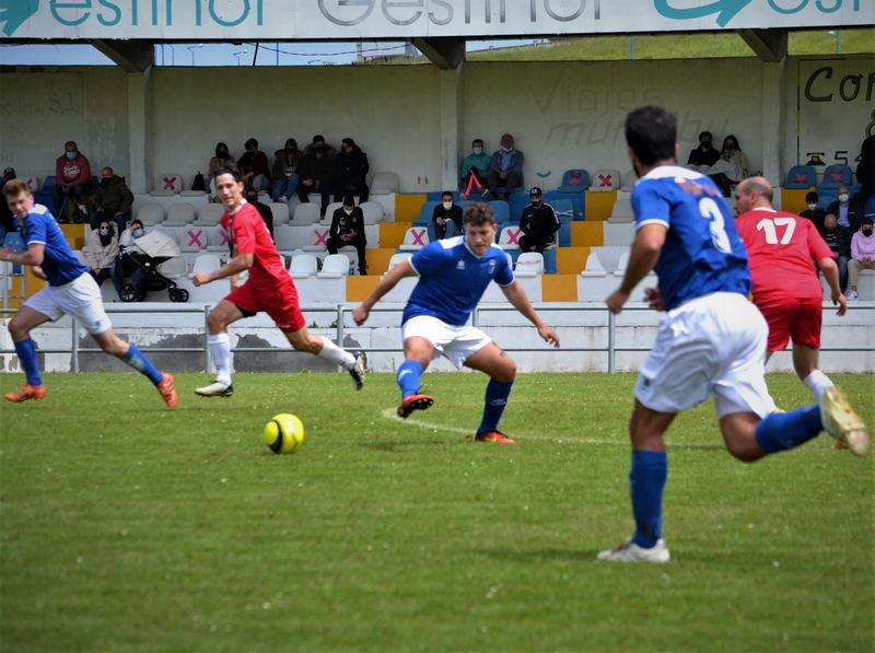 El Real Tapia golea al Tineo (5-0) en A Xungueira