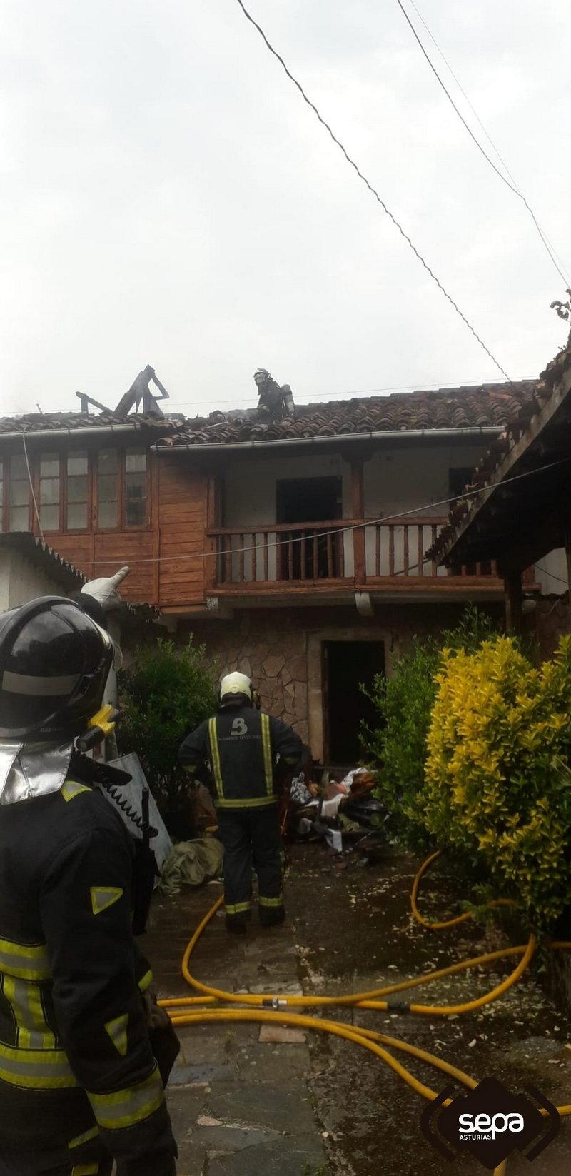 Incendio en una vivienda en Soto de Cangas (Cangas de Onís)