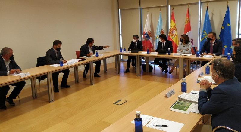 Asturias prepara las alegaciones al borrador de la Orden Ministerial que incluye al lobo en el Listado de Especies de Protección Especial