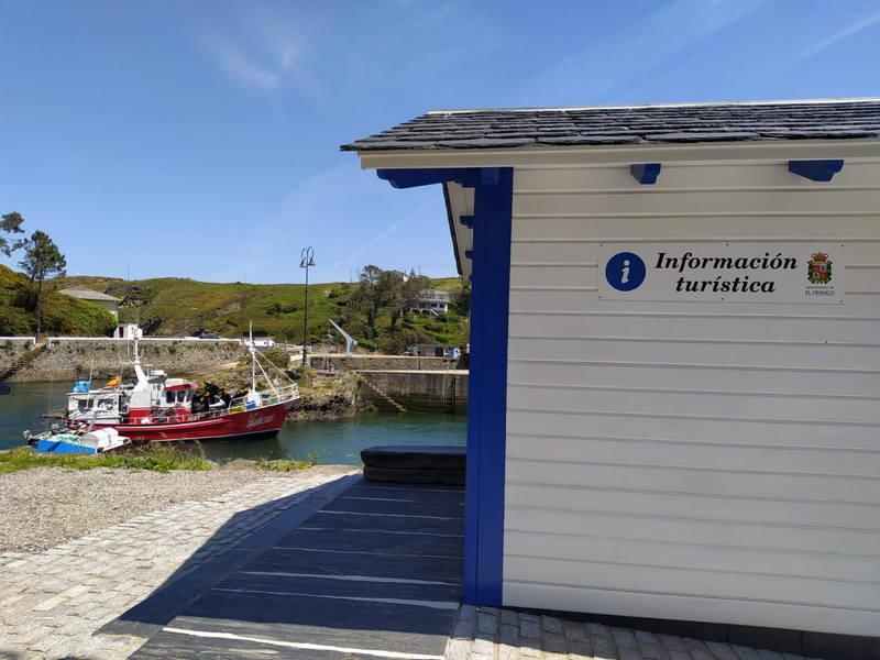 Inauguración de los paneles informativos y la Oficina de Turismo del puerto de Viavélez (El Franco)
