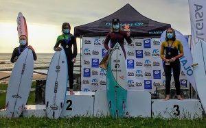 Kenia López, Campeona Sub-14 de la Prueba del Circuito Asturias de Surf de Caravia