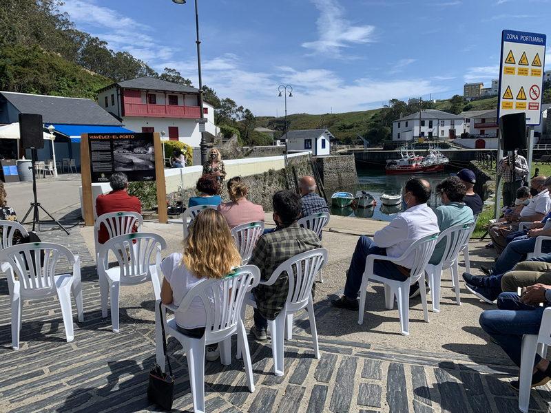 Inaugurados los paneles informativos y la Oficina de Turismo del puerto de Viavélez (El Franco)