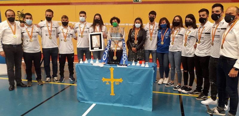 Reunión Consejera Cultura y DG Deporte con Club Bádminton Oviedo