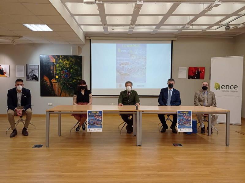 Presentación del I Campus de Verano del Real Oviedo en Navia