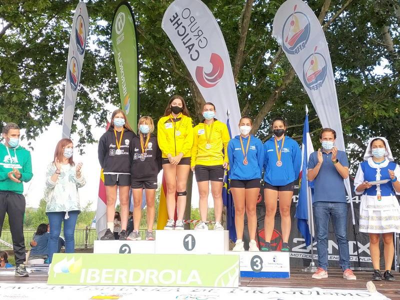 El K-2 cadete femenino de la naviega Noelia Suárez y la praviana Yaiza Novo, Campeón de España de Media Maratón de Piragüismo