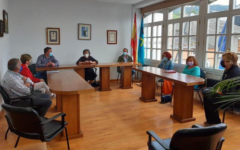 Visita de las Directoras Generales de Ordenación del Territorio y Urbanismo a Boal