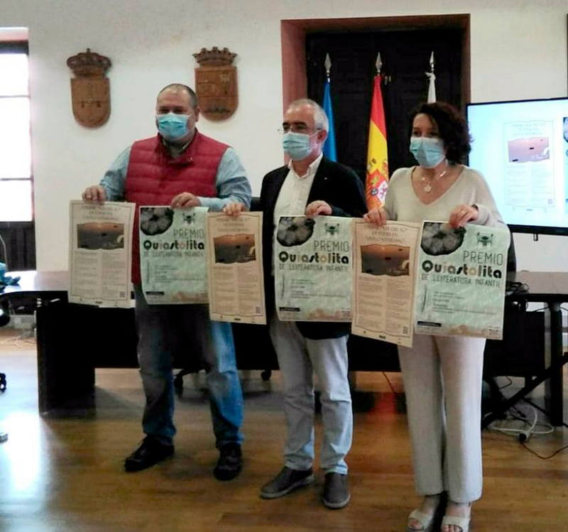 """Convocados los Premios Literarios en Gallego-Asturiano: de Poesía """"Ría del Eo"""" y """"Quiastolita"""" de Lliteratura Infantil"""