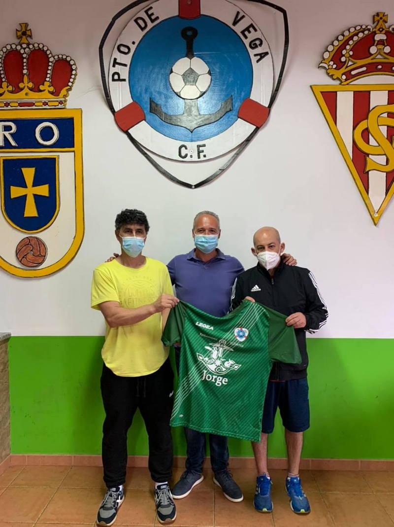El Puerto de Vega CF incorpora a Tito y Luisma para dirigir a su equipo B de 2ª Regional