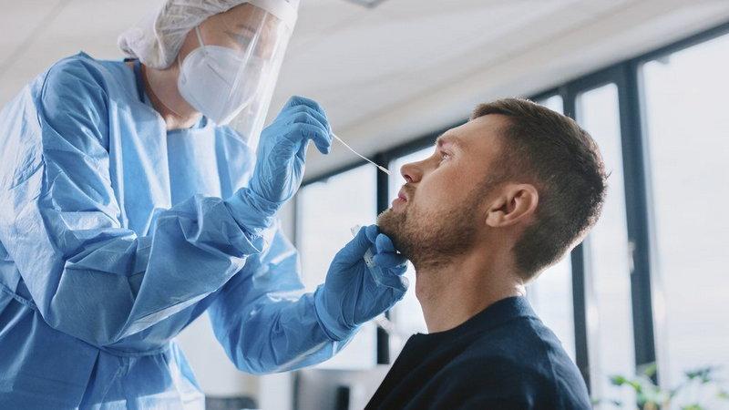Salud amplía el cribado de coronavirus a los adolescentes de 12 a 15 años y al grupo de 30 a 35 por el alto riesgo de contraer la enfermedad