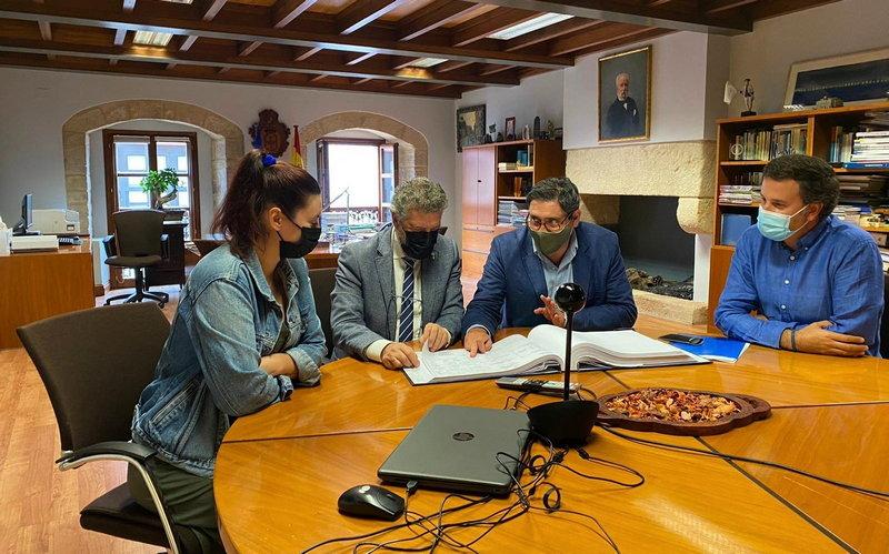 El Principado invertirá cerca de 500.000 euros en la construcción de un nuevo carro de varada en Puerto de Vega
