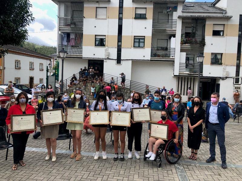 """El gobierno de Asturias diseña el programa """"Impulsad"""" para reforzar el sistema de atención domiciliaria a la dependencia"""