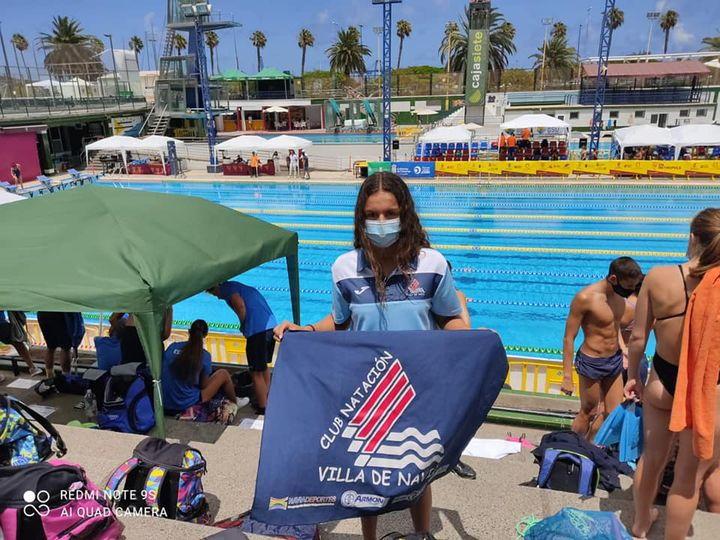 Laura Pérez (CN Villa de Navia), en el Nacional Junior de Verano de Natación
