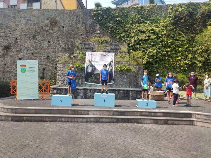 Tres medallas para el Club Piragüismo Albiones en el Regional de Travesías