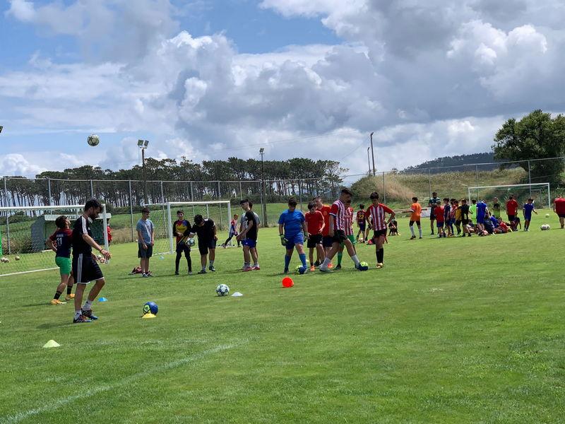 Mas de 60 participantes en las Jornadas de Tecnificación de Fútbol Coerver celebradas en El Campón (Puerto Vega)