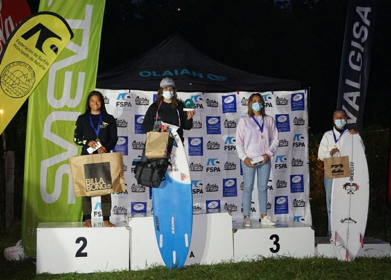 Doblete de la tapiega Kenia López en la 3ª Prueba del Circuito Asturiano de Surf