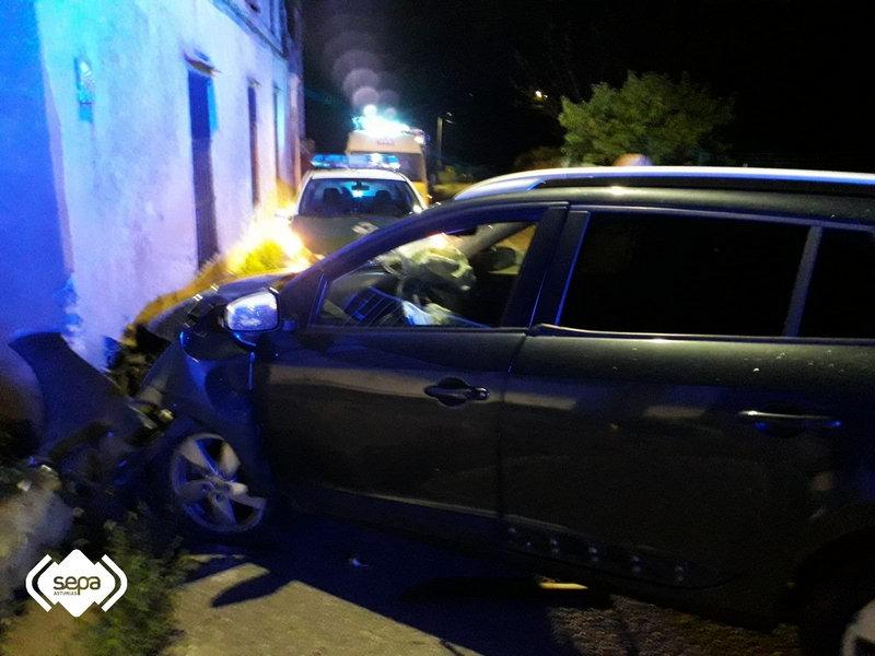 La conductora de un turismo resulta herida en un accidente de tráfico en Serantes (Tapia de Casariego)