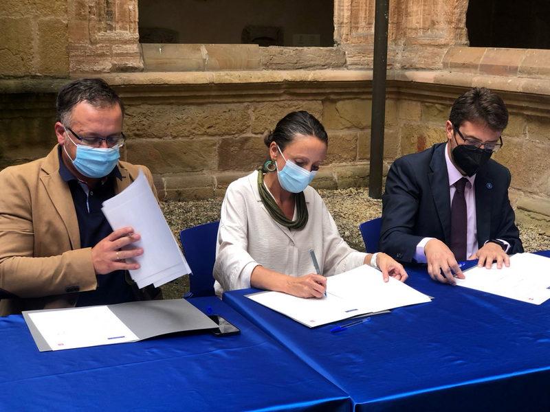 El Gobierno de Asturias suscribe un convenio con la Fundación Laboral de la Construcción para emplear a beneficiarios del salario social
