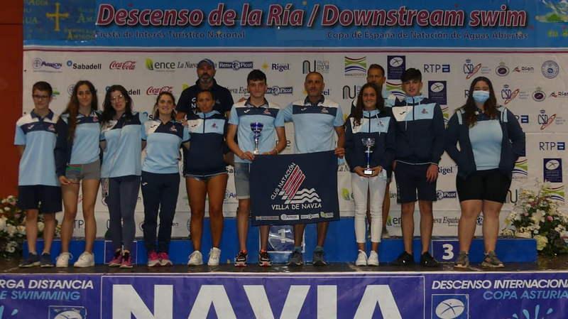 """El Club de Natación Villa de Navia """"despide otra gran temporada en aguas abiertas"""""""