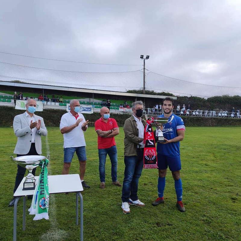Partido Homenaje a Manuel Feito en El Campón con victoria del Navia CF
