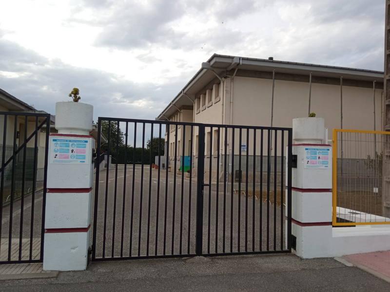 Padres y madres del colegio de Jarrio (Coaña) piden que, ante la pandemia de covid, se mantenga la jornada escolar continua