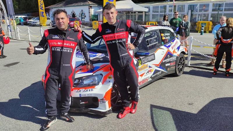 Triunfo de Alberto Ordoñez en el Rallysprint de Castropol donde el valdesano Jairo Suárez fué 2º